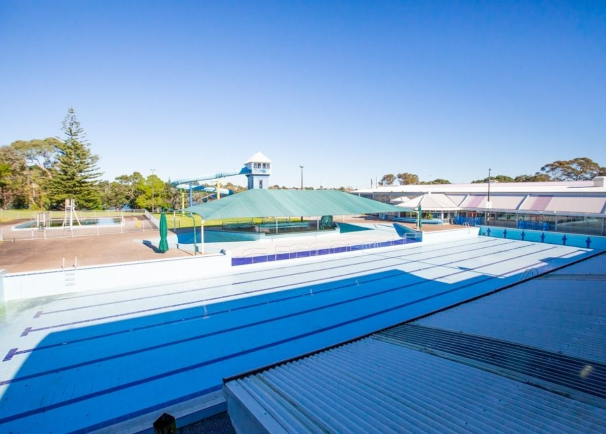 Aquatic education school community swimming for Big outdoor pool